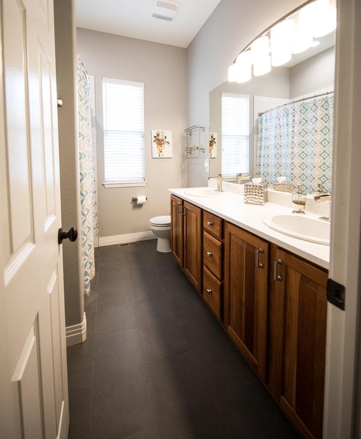 photo-of-bathroom-2088257-1.jpg